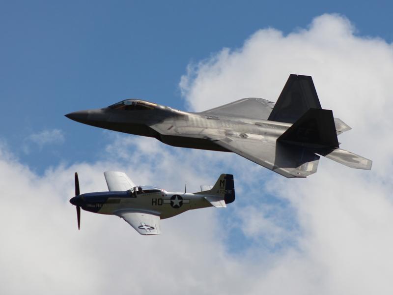 F-22A 09-4191 & P-51D 44-72216 Miss Helen (@P. Righart van Gelder)