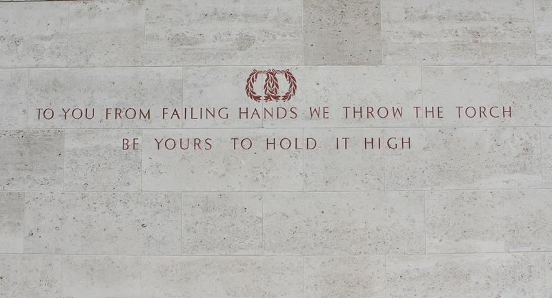 Een tekst van de Wall of the Missing (SGLO - @P. Righart van Gelder)