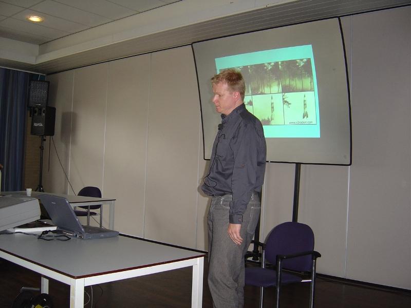 Carlo Tinschert hield zijn lezing over het RAF-bombardement op de Haagse wijk Bezuidenhout (SGLO – Archive)