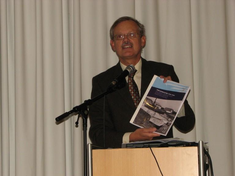 Piet Kamphuis voert het woord (SGLO – Archive)