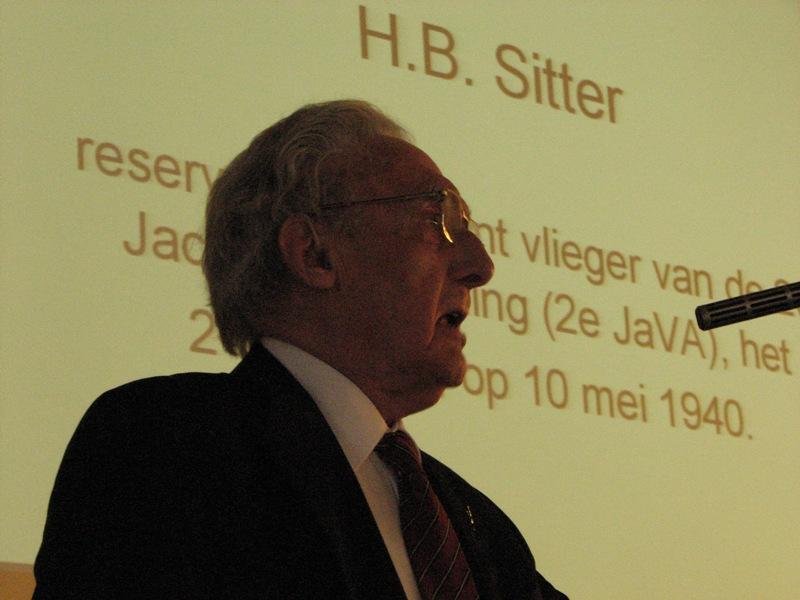 De heer H.B. Sitter vertelde ons over zijn ervaringen als Fokker D.21 vlieger (SGLO – Archive)