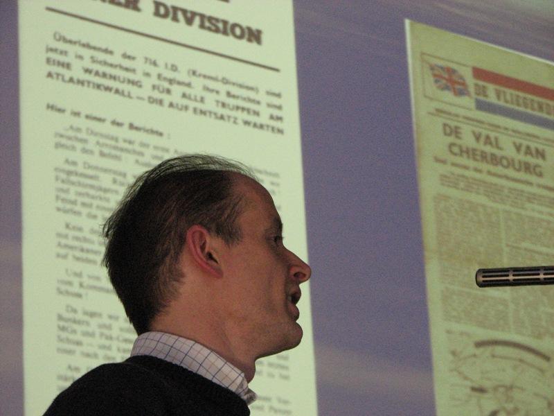 Ronald Vernes tijdens zijn presentatie over uilen tot krantenjongens (SGLO – Archive)