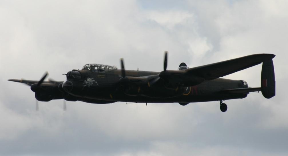 BBMF Lancaster op 19 juni 2010 (@P. Righart van Gelder)