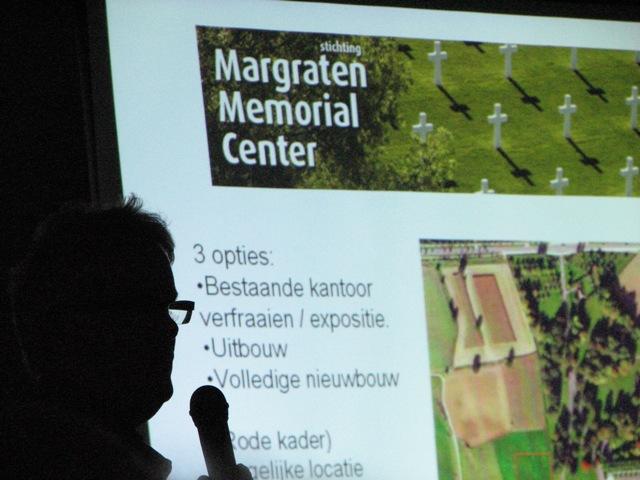 Arie-Jan van Hees tijdens zijn presentatie over het Margraten Memorial Center (SGLO – Archive)
