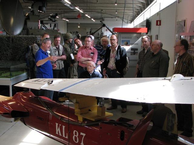 Uitleg bij een doelvliegtuigje (SGLO – Archive)