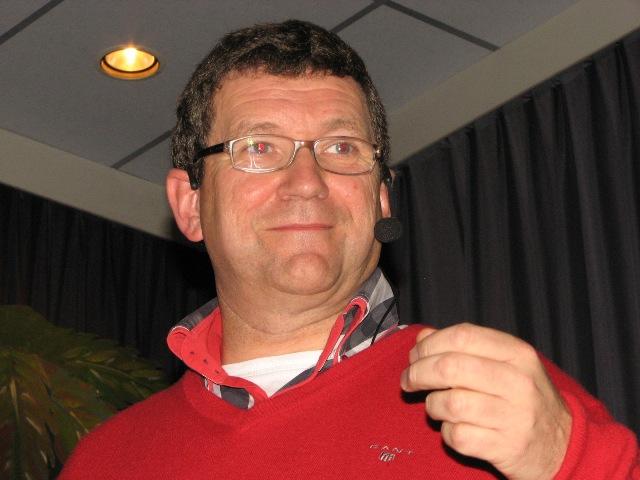Max Schep tijdens zijn presentatie over 120 (NEI) SQN (SGLO – @H.M. van Sabben)