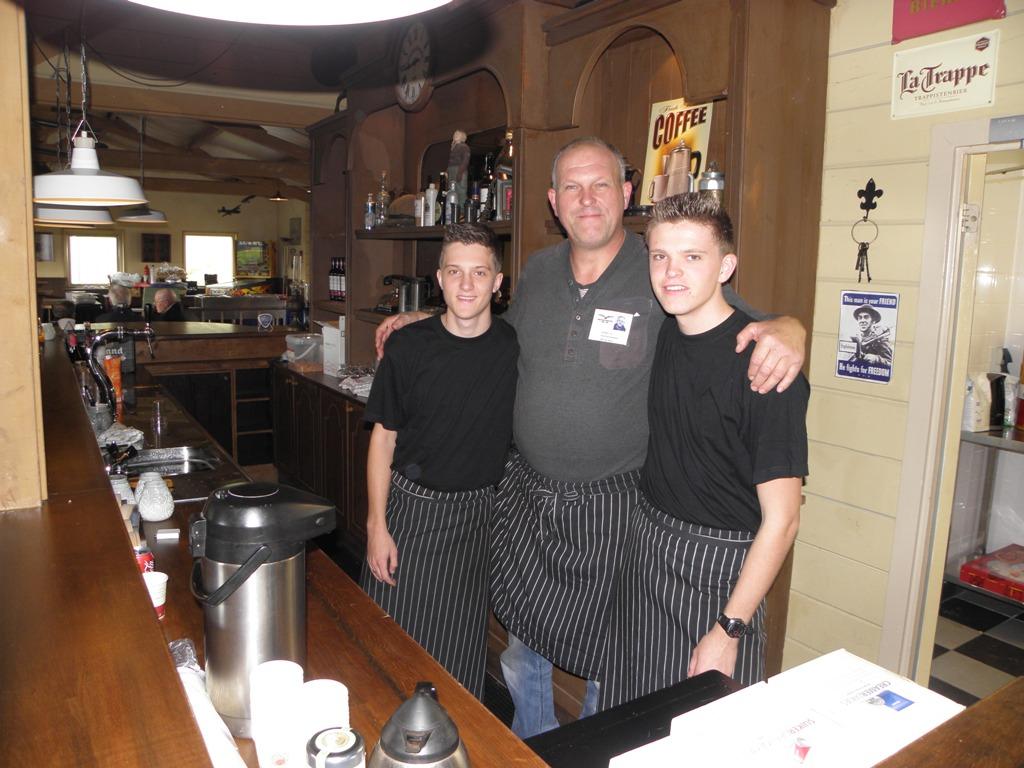 De heren van de catering onder leiding van Jaap Vermeer (SGLO – @W. Buising)