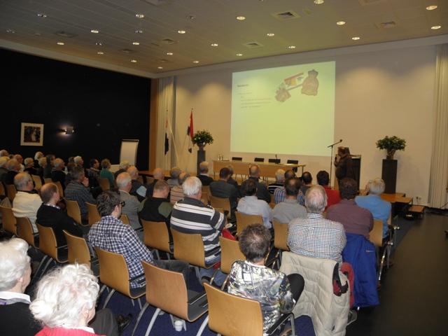 Peter van Kaathoven met een lezing over: Het Zerlegebetrieb Vught (SGLO – @W. Buising)
