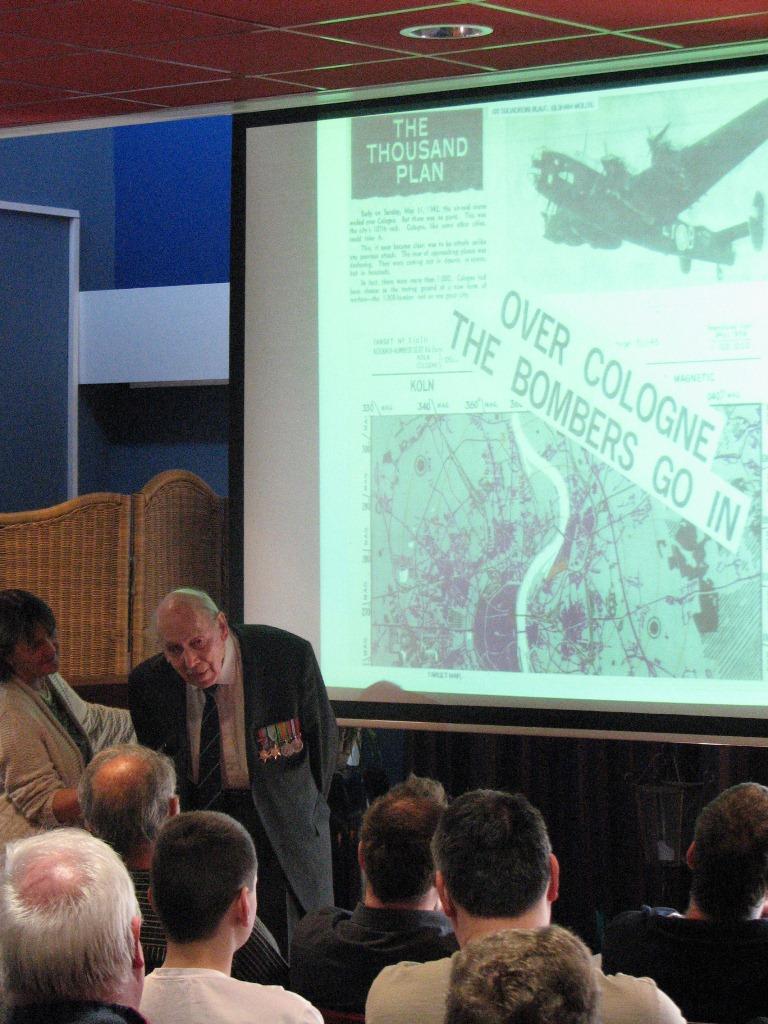 Onze Guest of Honor Gordon Mellor vertelde over zijn escape uit bezet gebied (SGLO - @Huub van Sabben)