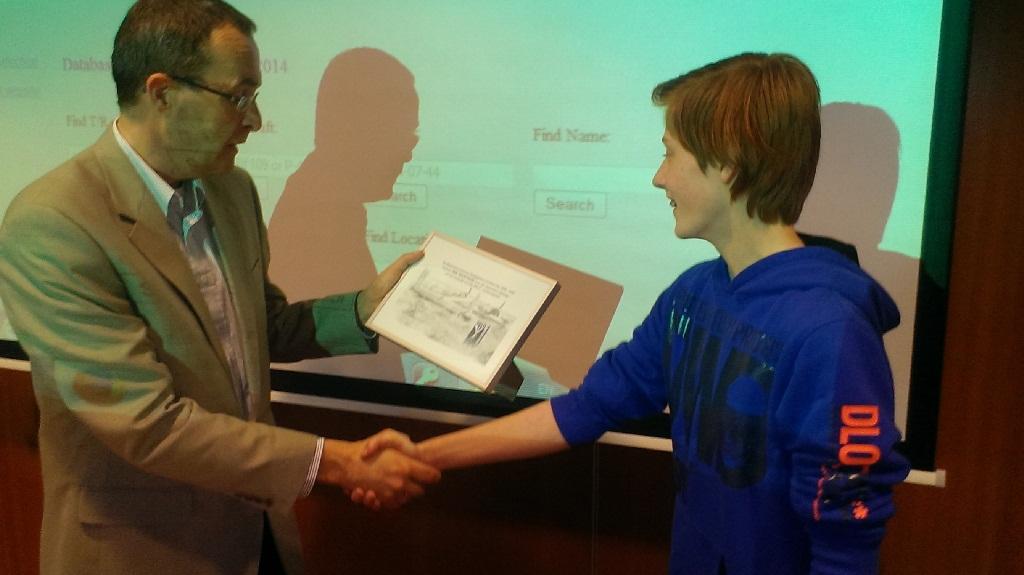 Voor zijn verdiensten werd Rik Maathuis beloond met een zweefvlucht. (SGLO - @Huub van Sabben)