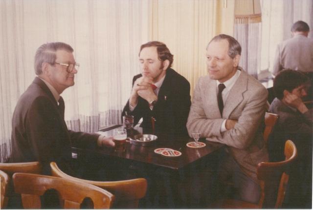 De heren; Hermans, Talen en Spierings tijdens de bijeenkomst op 9 april 1983 (SGLO - Archive)