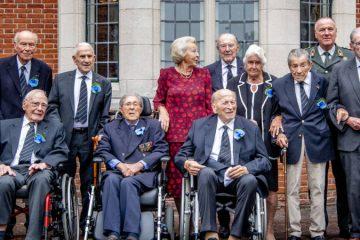 Prinses Beatrix en veteranen op de laatste reünie van de Engelandvaarders (ANP)
