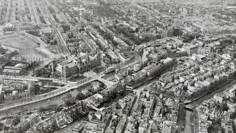 Amsterdam, Museumplein en Vondelpark (Nederlands Instituut voor Militaire Historie - CC-BY 4.0)