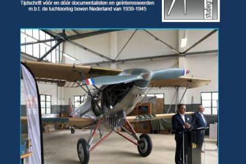 Commodore b.d. F. Groen draagt met een korte toespraak namens de Stichting Vrienden van het Militaire Luchtvaart Museum de replica van de Fokker C-X 711 over aan het Nationaal Militair Museum. (@Ivo de Jong - Studiegroep Luchtoorlog 1939-1945)